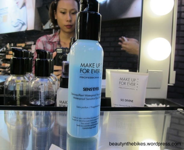 My makeup coach first removed my makeup with Sensi'Eyes, a gentle but effective make up remover