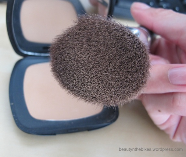 Ultra soft synthetic bristles pick up alot of product!
