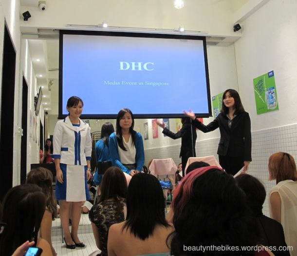 Ms Kimiko Ikeda, the DHC Beauty Advisor from Japan, was here to introduce us to the products and usage