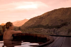 Visiting Onsen Hot Pools in Queenstown, New Zealand