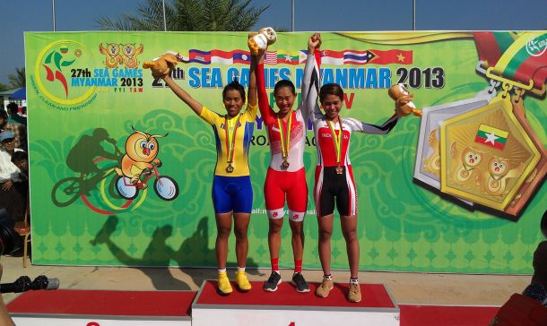 Whoa, check out that Team Singapore speed suit. Photo: Singapore Cycling Federation