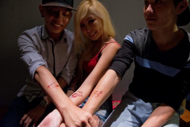 Even the boys got some auspicious designs tattooed on!